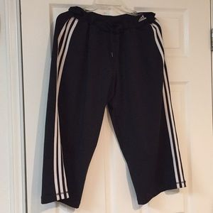 Adidas crop pants super comfortable size L